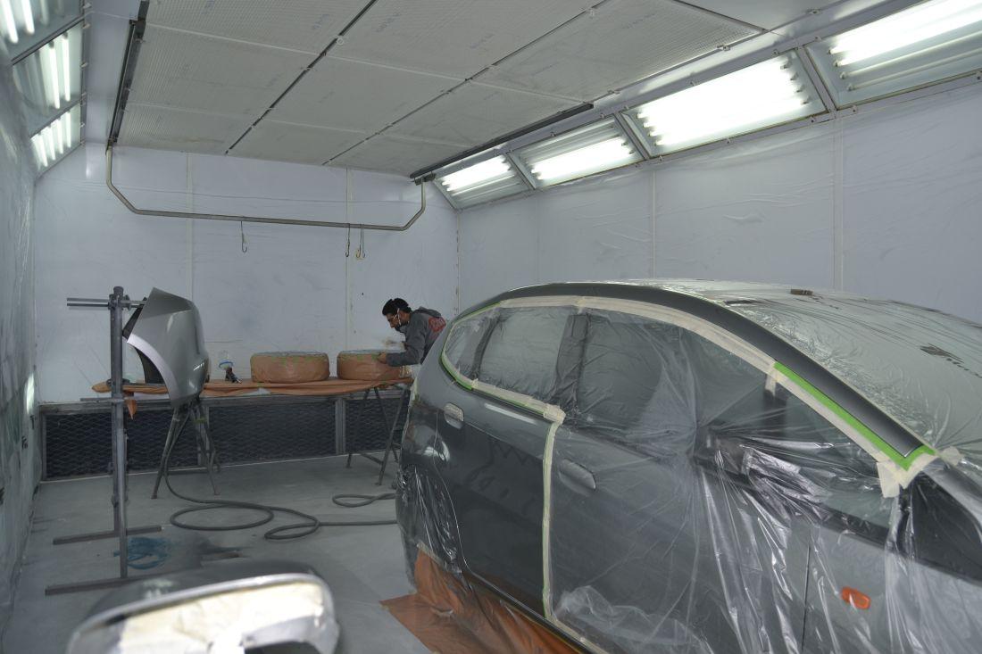verniciatura auto Marchirolo - CarrozzriaErocars 79